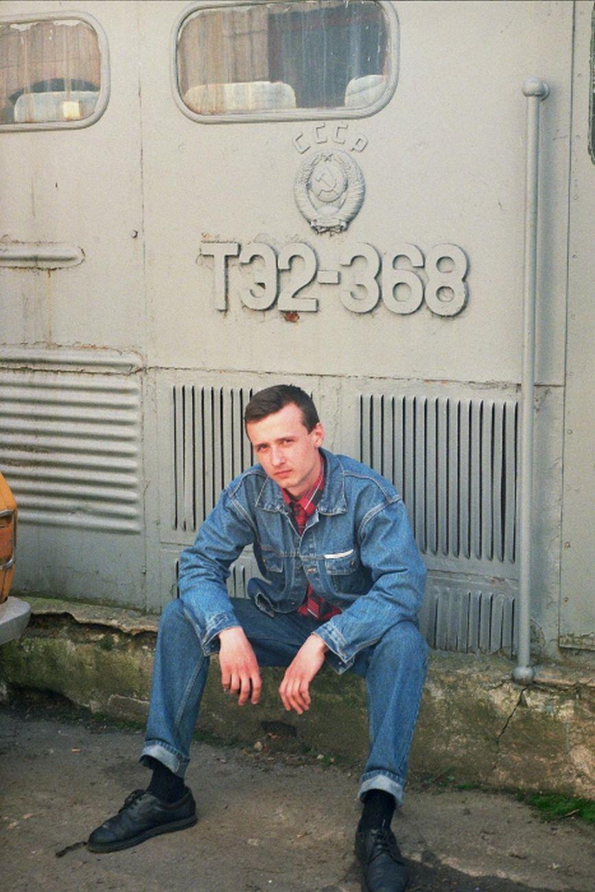 Автор и ТЭ2-368, кузов-склад, в депо